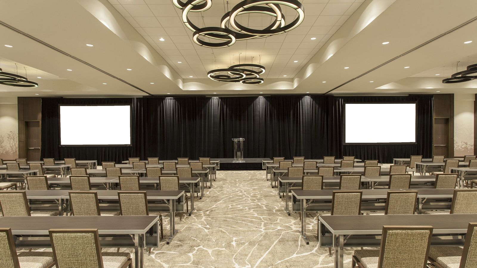 Grand Ballroom | Classroom Set Up