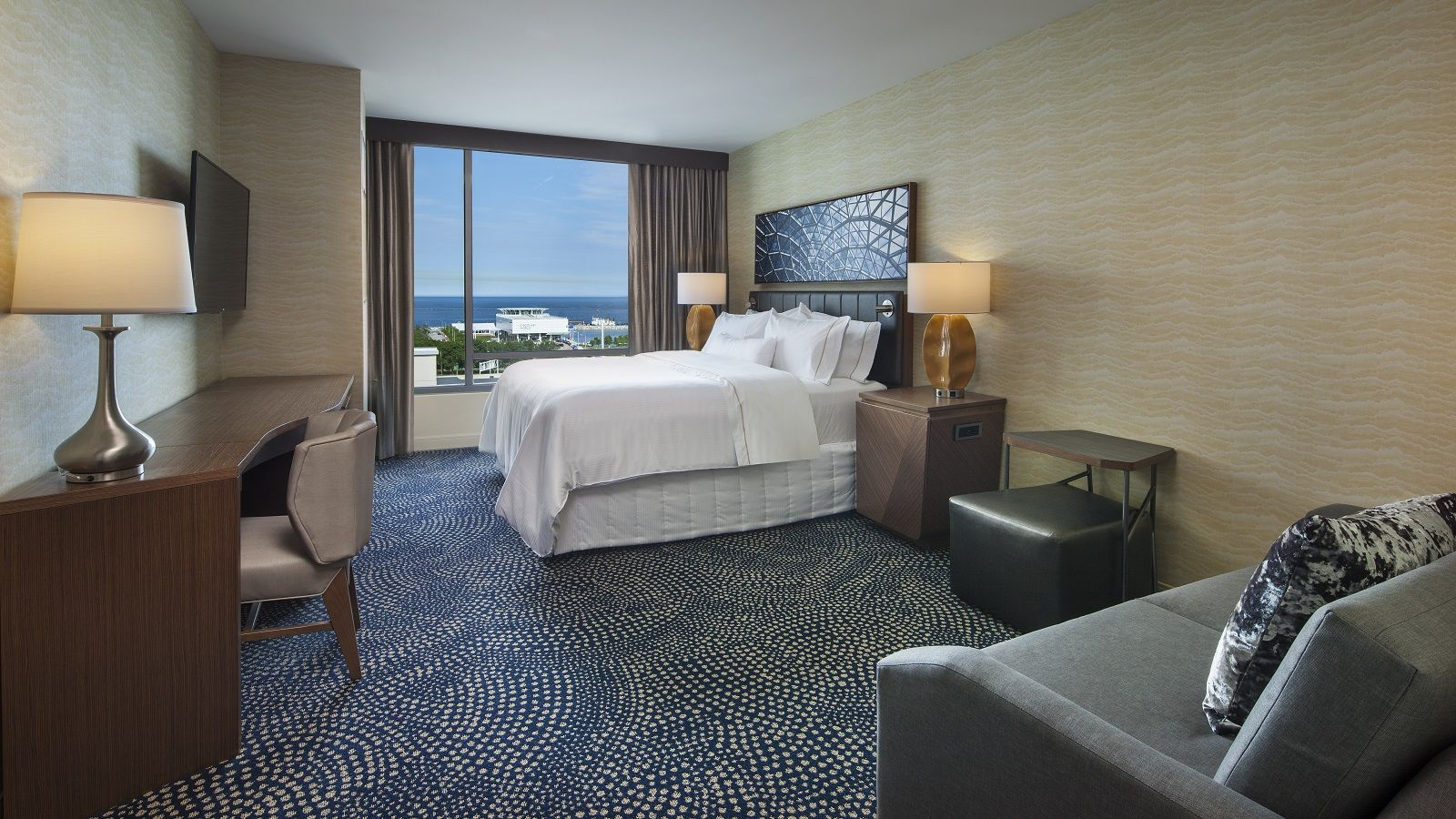 Premium King View Room